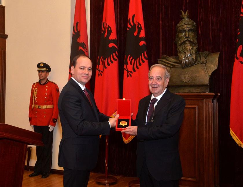 Elio Miracco Premio Albania